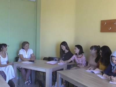 Συνέντευξη από την κ. Φρατζεσκάκη, υπεύθυνη του Δήμου Καβάλας για θέματα πολιτισμού και κοινωνικής προστασίας.